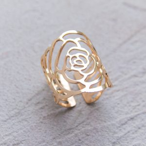 Gold roses napkin ring