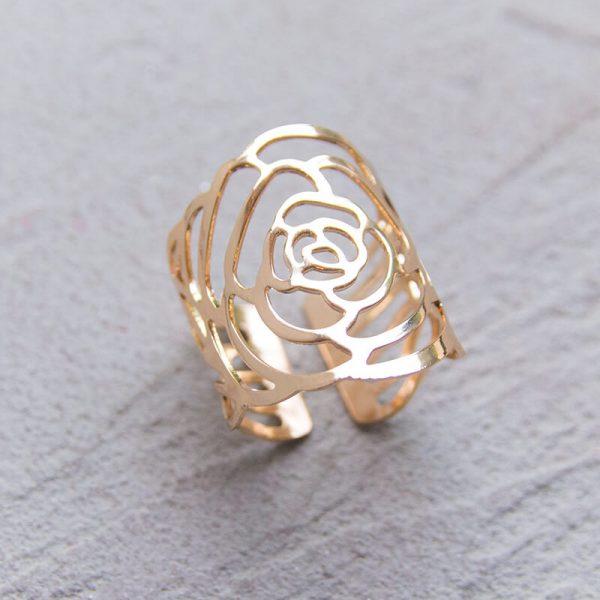 Gold roses napkin ring