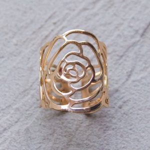 Gold roses napkin ring close up