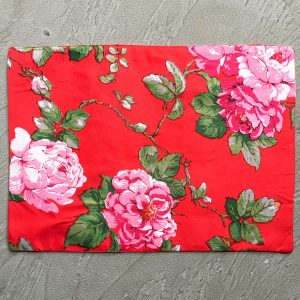 Rose placemats with grey background