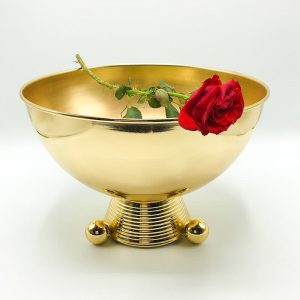 Table decor of Gold Bowl with a rose
