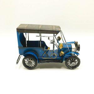 Solo shot of Blue Vintage Car
